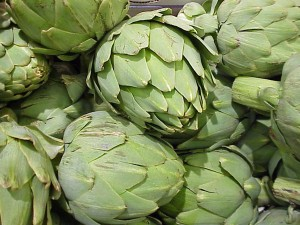 artichoke heads in grocery store