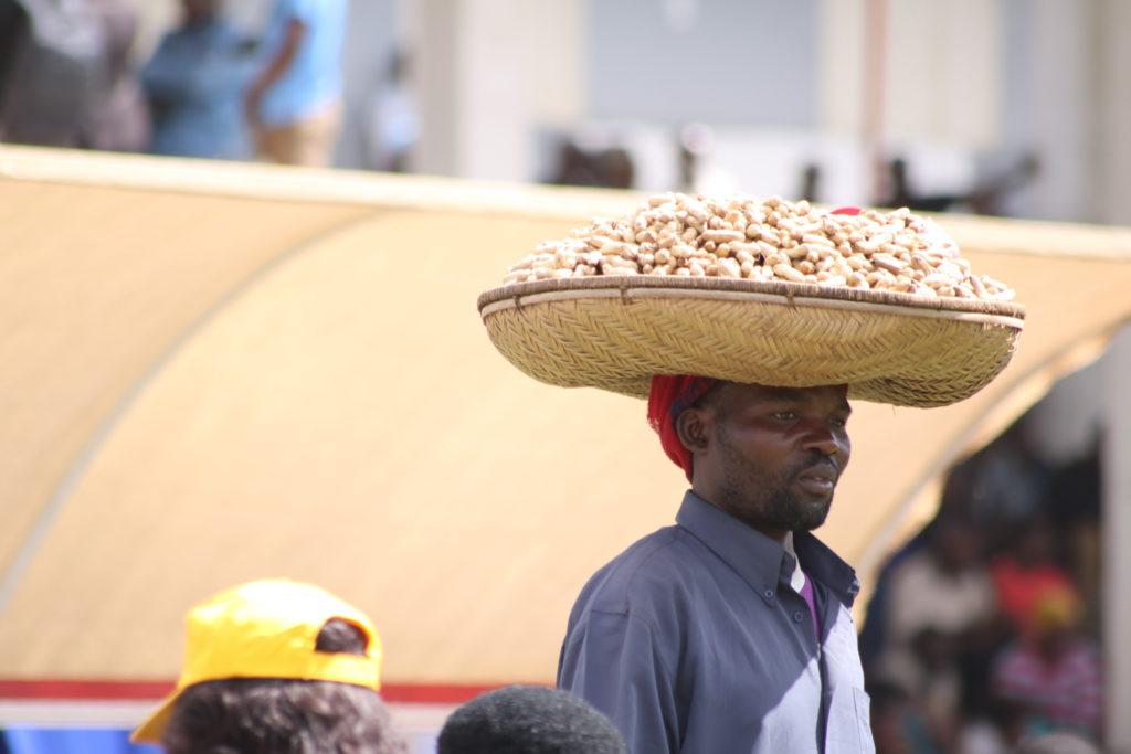Man sellin peanuts in the street